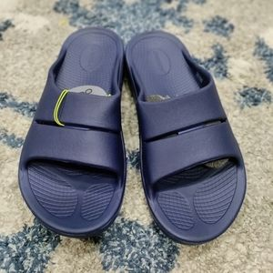 NWT- OOFOS OOahh blue slides